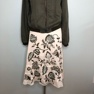 Ann Taylor Ivory Full Skirt w/embroidered Flowers